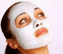 Gözenekleri açmak ve cildi rahatlaştırmak için buhar banyosu