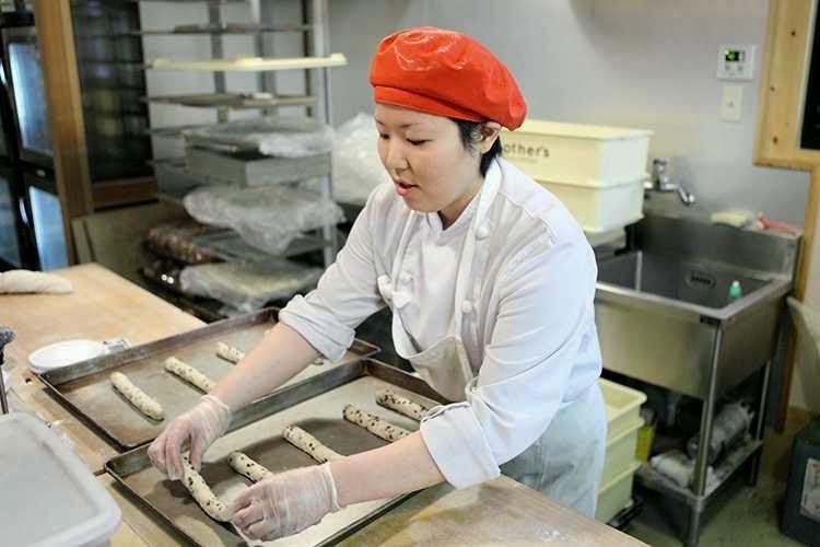 Tuyển 15 nữ đi làm bánh mỳ tại Nhật Bản