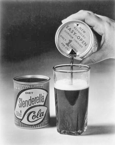 História da primeira lata de refrigerante do mundo, adotada em 1963.