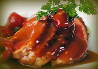 Pollo con salsa de frambuesas