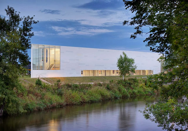01-Museum-of-Wisconsin-Art-by-HGA-Architects-and-Engineers