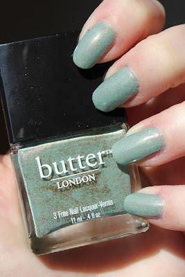 http://lacquediction.blogspot.de/2013/04/butter-london-two-fingered-salute.html