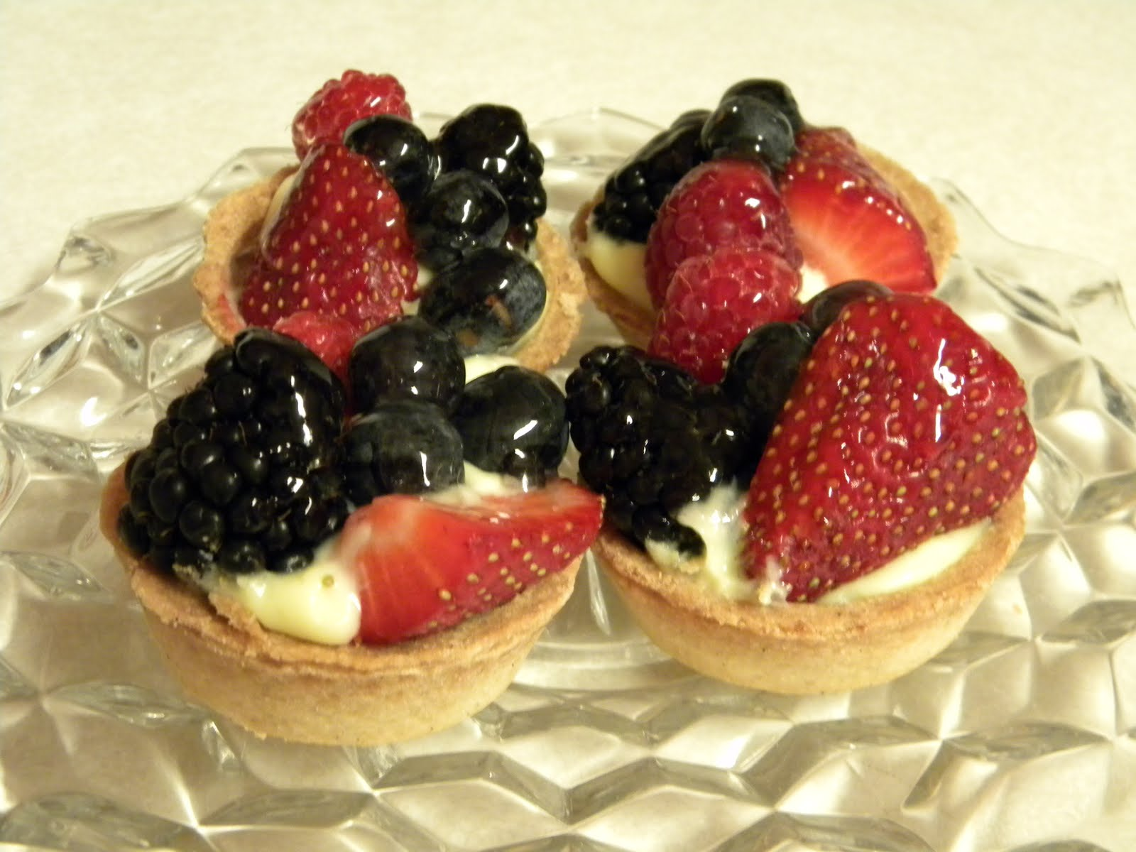 While at Whole Foods I picked up a tasty treat....Fresh Fruit Tarts...