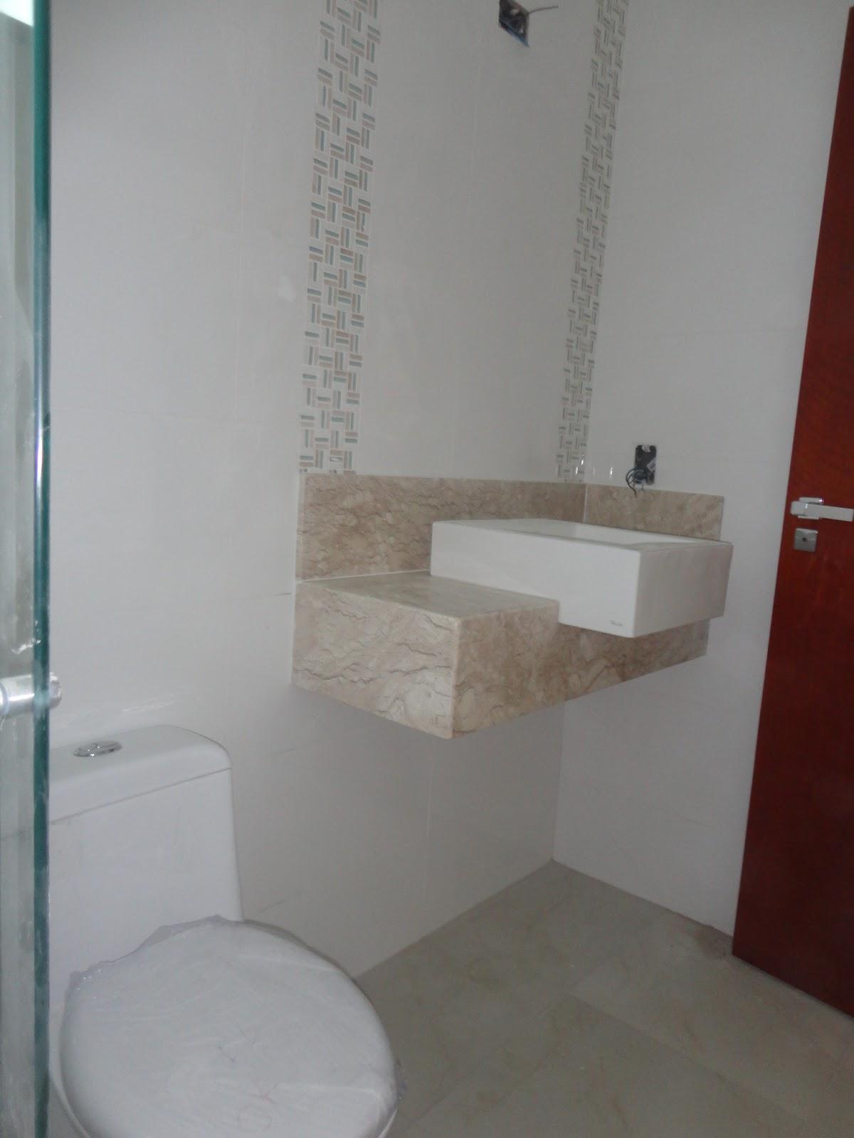 as paredes meu maridin falou:esposa vamos aumentar o banheiro  #3A1A16 1200 1600