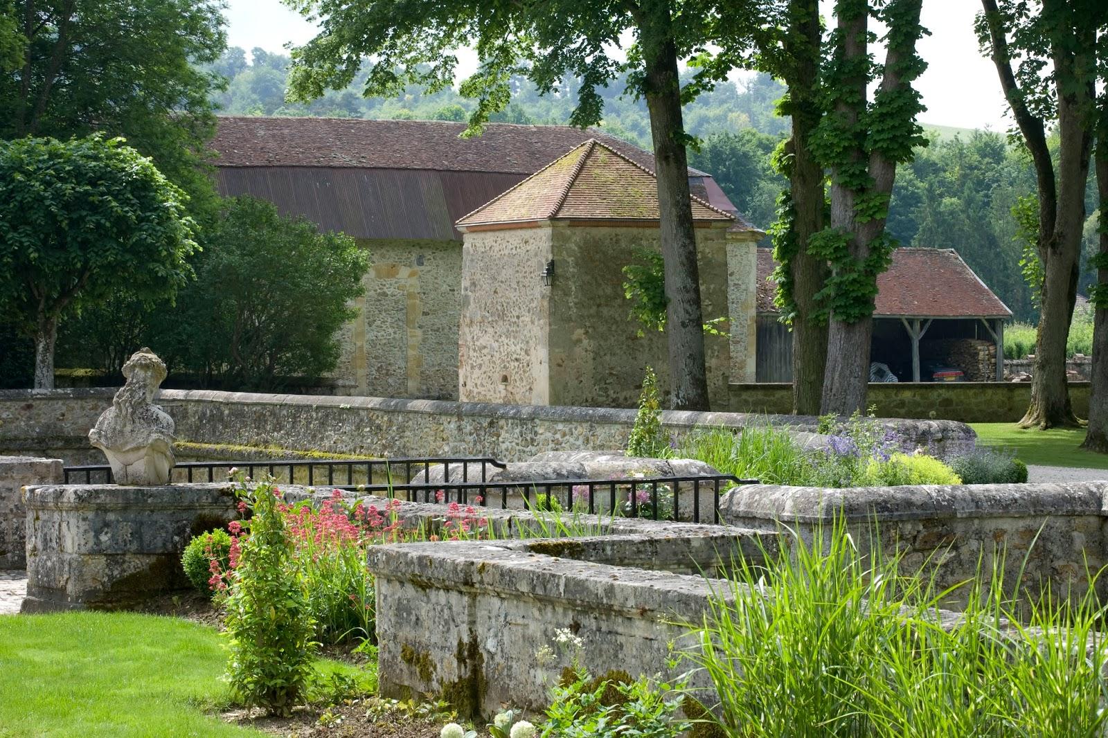 Wine in style laurent perrier et les jardins ou for Louis jardin wine