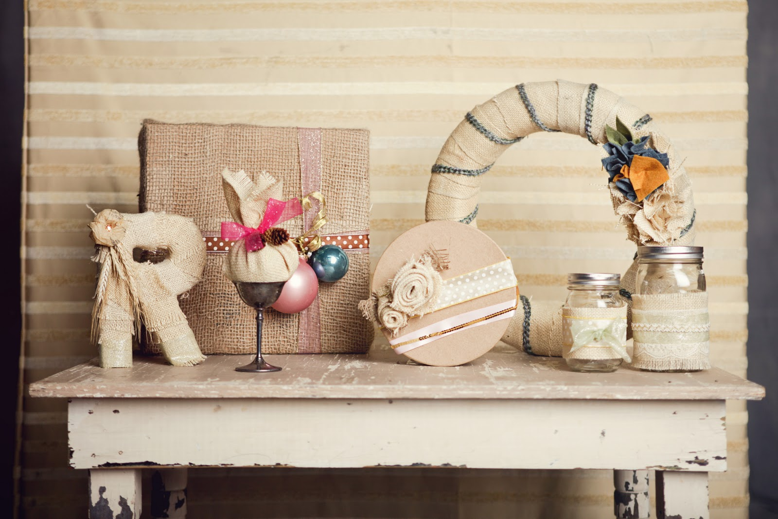 Ruche homemade holiday spotlight crafts with burlap for Crafts made with burlap