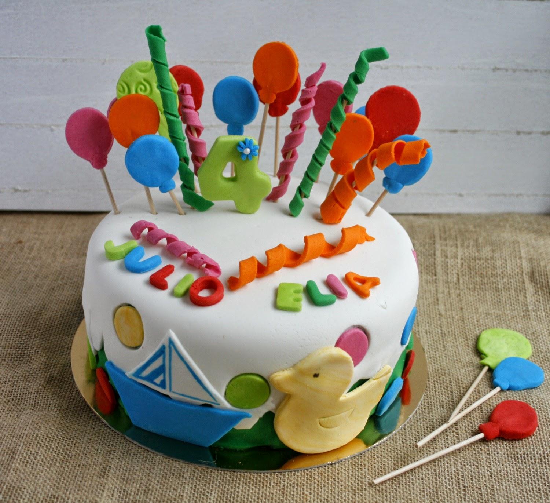Con fondant por favor tarta de cumplea os con globos y for Decoracion cumpleanos nino 6 anos