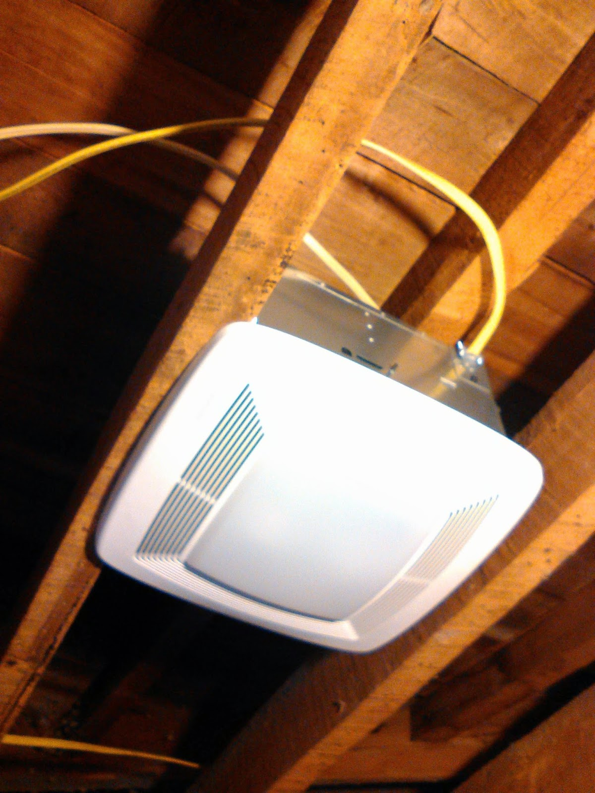 Vanity Light Gfci : the common milkweed: Bathroom Remodel: wiring finished, bit of structural engineering and a ...