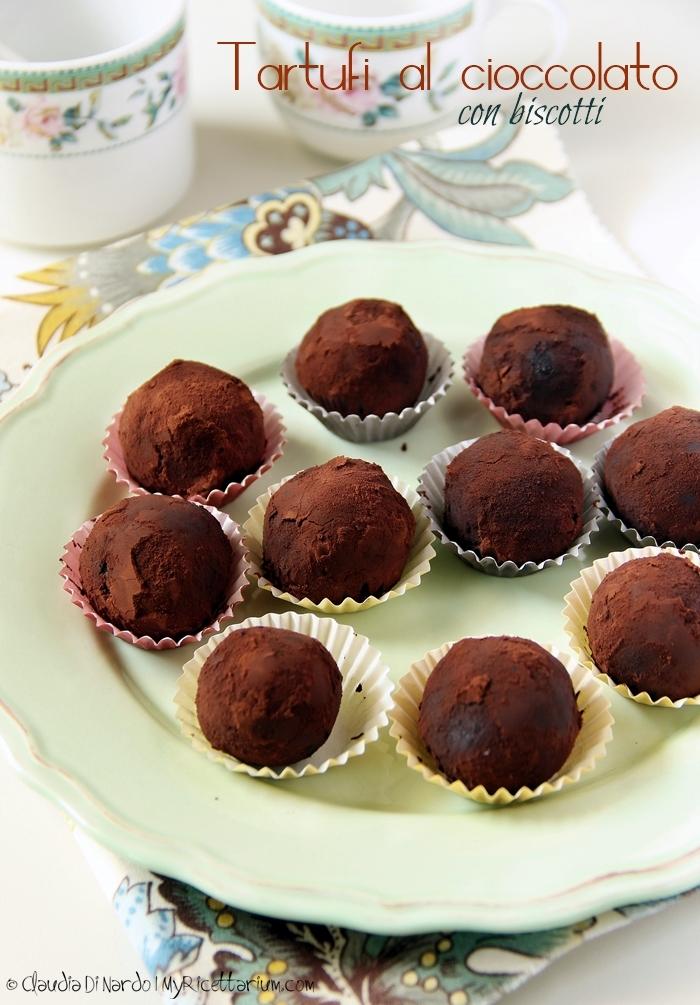 Tartufini al cioccolato con biscotti