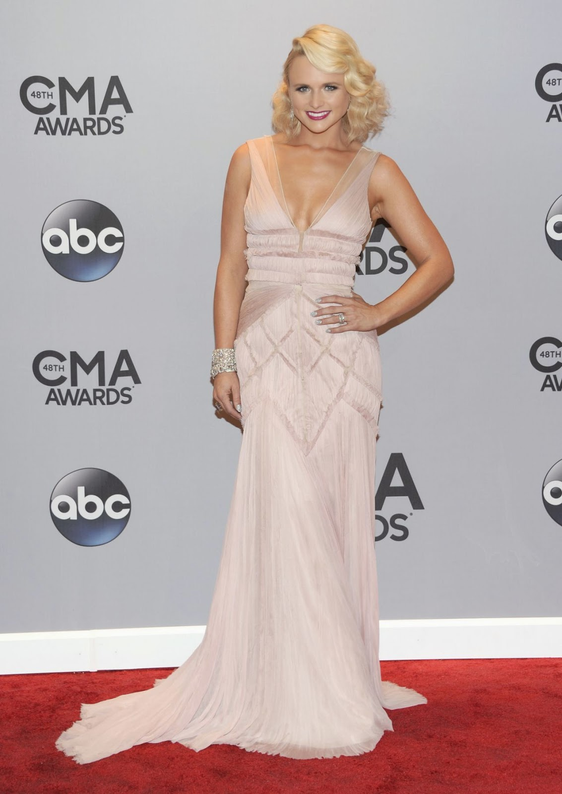 Miranda Lambert - Best Dressed Celebrities at the 2014 Annual CMA Awards in Nashville