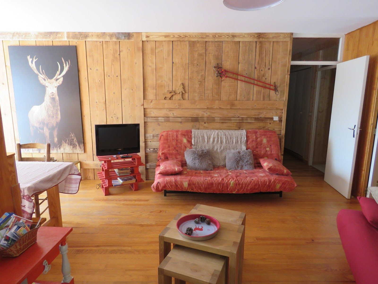 Appartements des cerfs et des ours appartement des cerfs for Deco de montagne petit prix