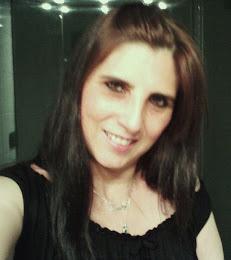 Aymée Campos Lucas, este é o meu nome! Aymée é francês e significa Amada!