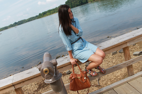 fall outfit, fall outfit ideas, my style, naturally me, chambray dress shirt, chambray, tan bag, sandals