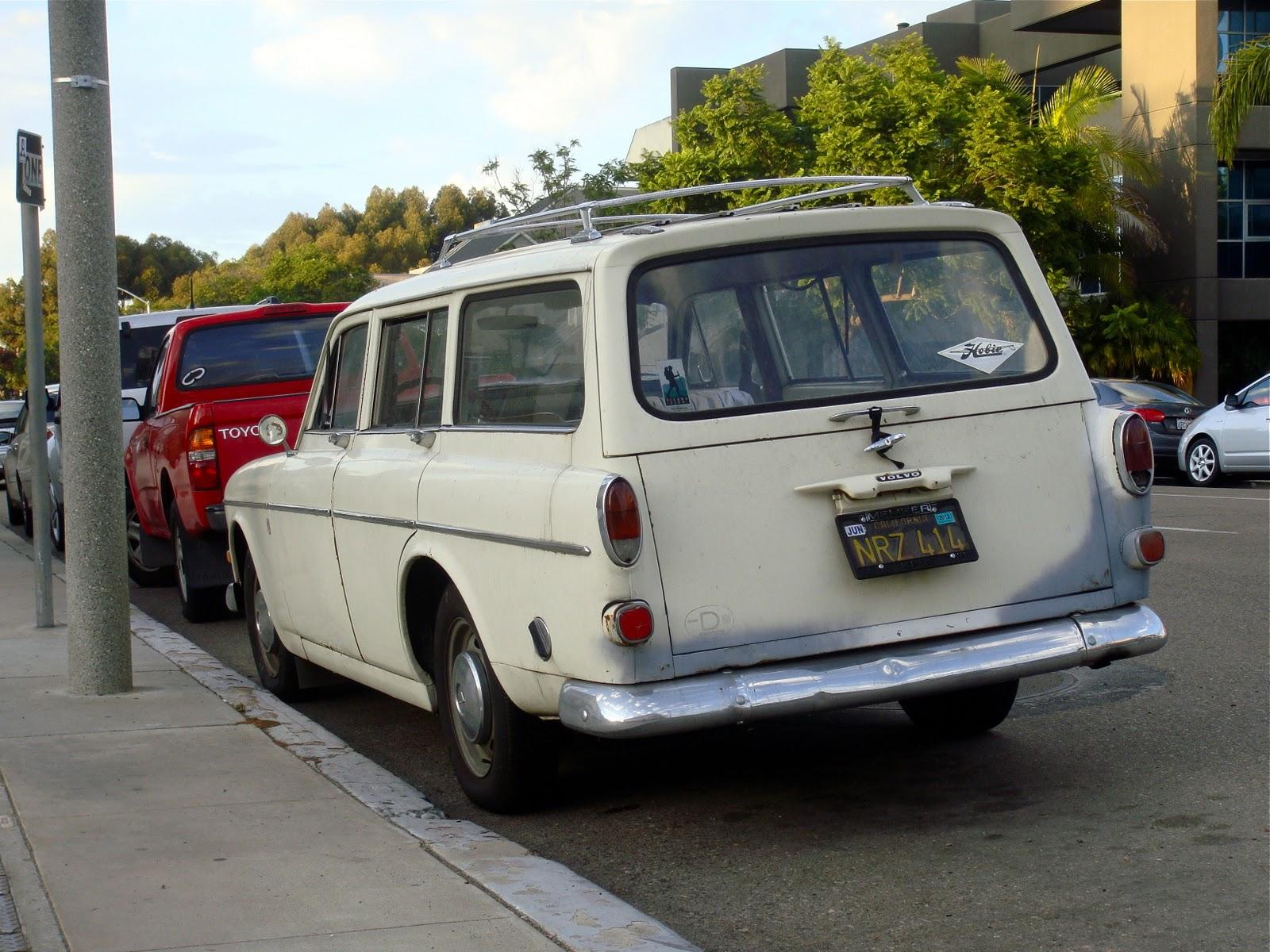 THE STREET PEEP: 1967 Volvo 122s Estate