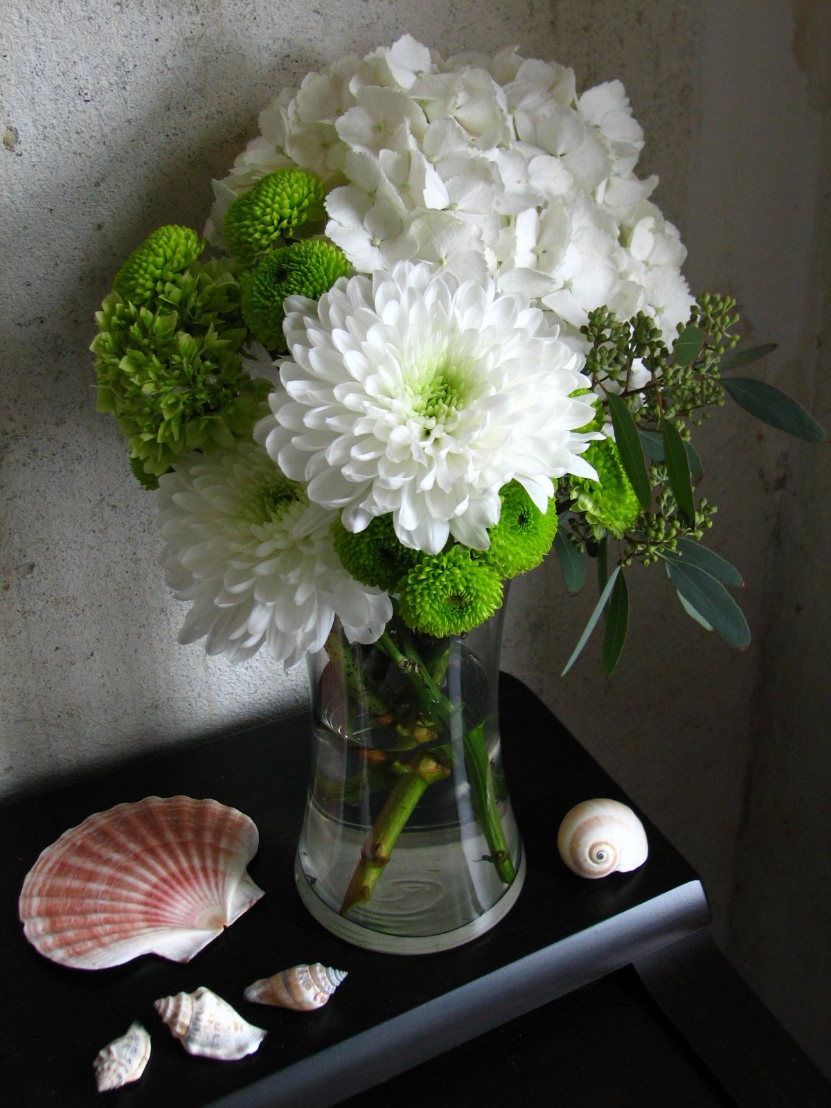 Floral design by molly lohman new arrangements for Beach house designs florist