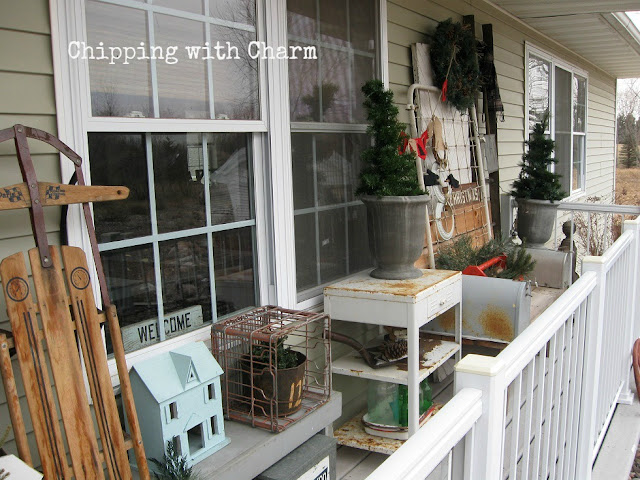 Chipping with Charm: Christmas Porch...www.chippingwithcharm.blogspot.com