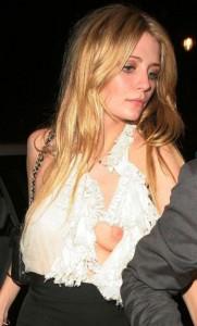 Foto puting payudara artis Hollywood Nongol Kelihatan