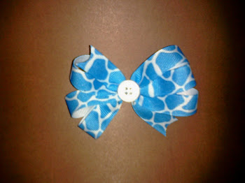 Blue Giraffe Hairbow