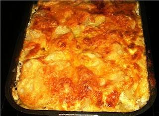 Картофельная запеканка с фаршем под сырной корочкой