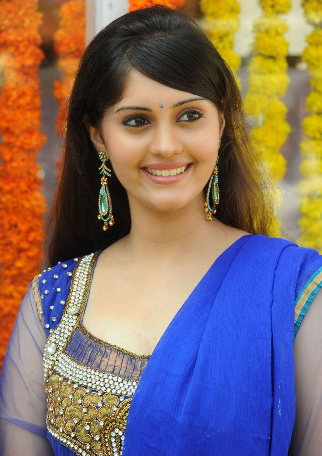 ivan vera mathiri actress surabhi hd view - cini focus