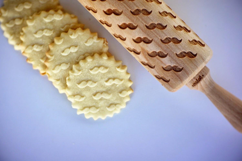 12-Zuzia-Kozerska-Rolling-Pin-for-Food-Stamp-Designs-www-designstack-co