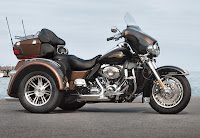 Harley-Davidson Tri Glide Ultra Classic 110th Anniversary Edition (2013) Front Side