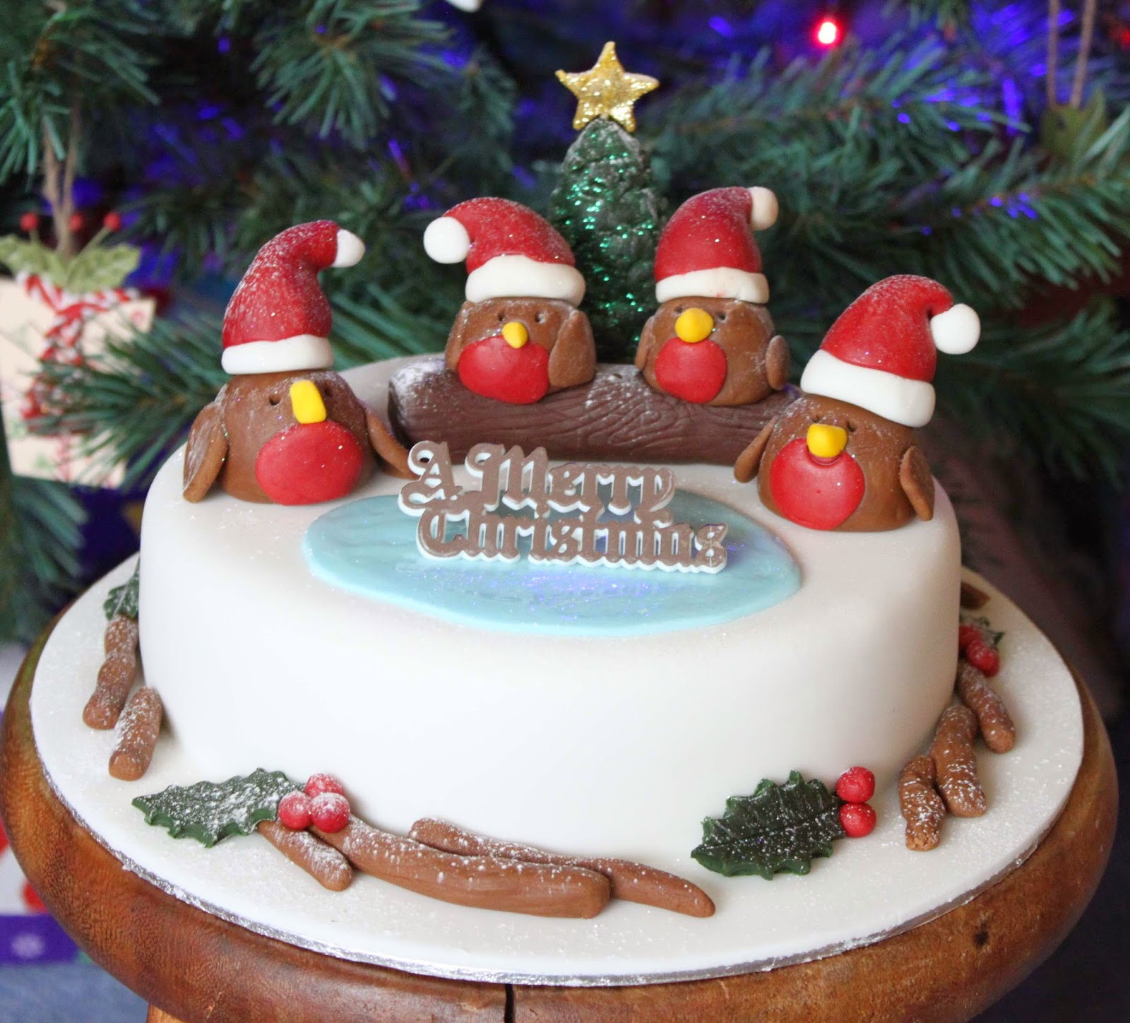 How To Make An Edible Robin Cake Decorations At Home