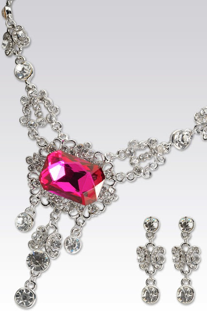 http://www.funmag.org/fashion-mag/jewelry-designs/party-jewelry-designs/