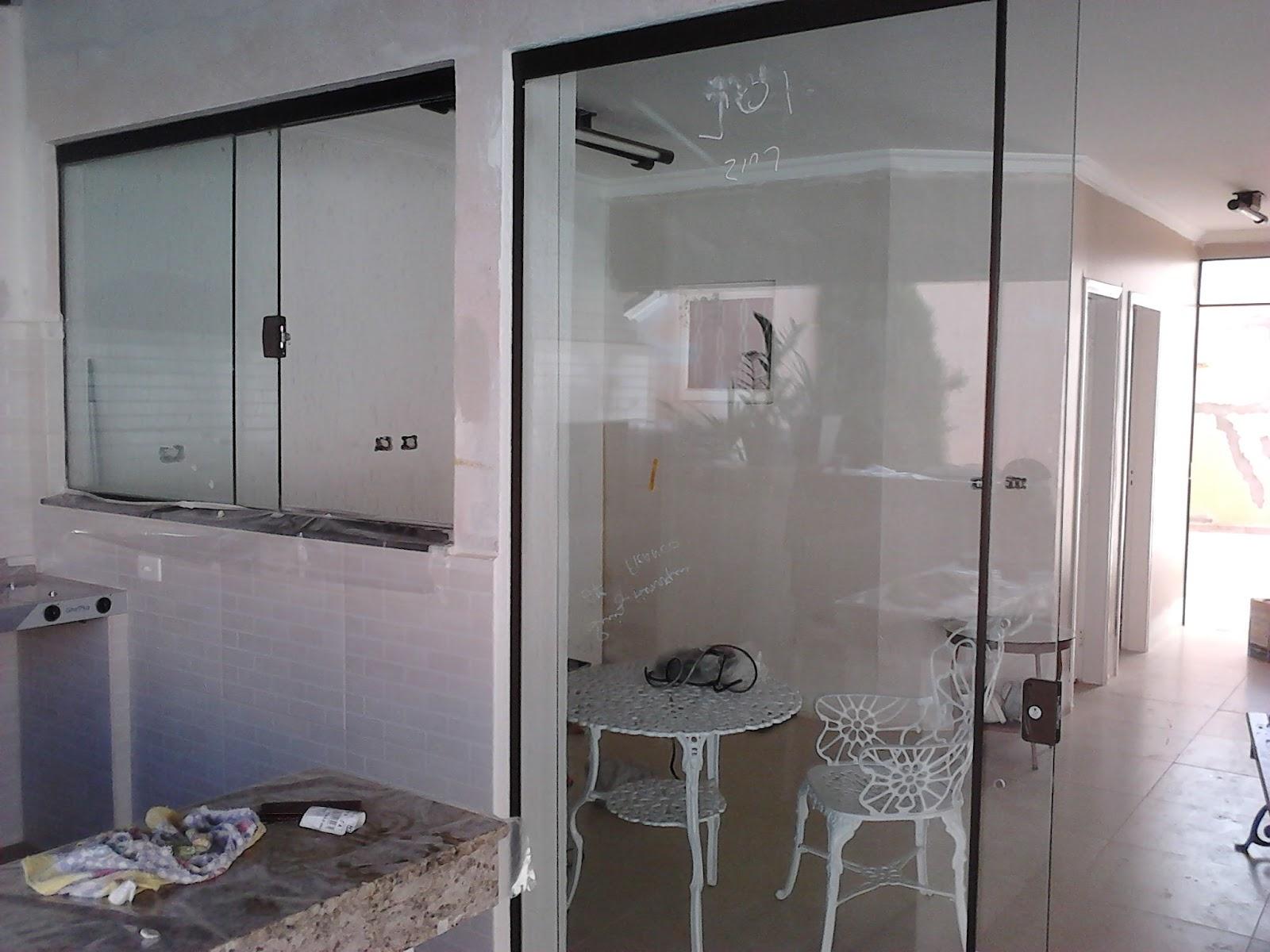 #494B5E Fechamento de área com portas e janelas em vidro incolor 496 Janelas E Portas De Aluminio Em Juiz De Fora
