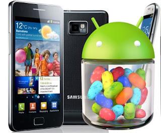 La noticia de que finalmente la tan esperada actualización oficial a Android 4.1.2 para el Galaxy S2 GT-I9100 y Galaxy Note N7000 comenzará a ser liberaba en los primeros días del próximo mes de Febrero. Si bien muchos usuarios están esperando que antes que finalice este año, Samsung comience a liberar la actualización oficial a Android 4.1.2 Jelly Bean para el Galaxy S2 GT-I9100, Galaxy Note N7000, desde SamMobile nos llega la noticia de que vamos a tener que esperar unos días más. Es que según la fuente los planes iniciales de Samsung era comenzar a liberar la actualización oficial