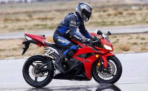 Kỹ năng lái moto