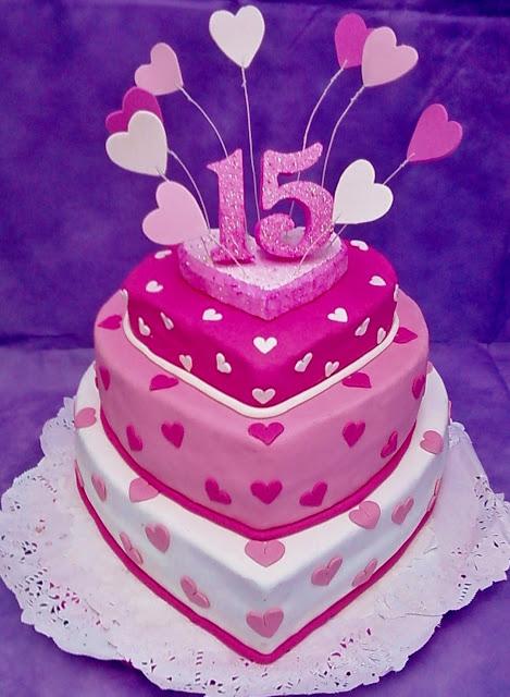 Tendencias en Decoración de Tortas: Tortas para fiestas de 15 años