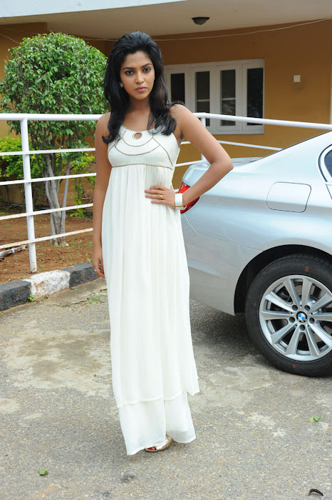 amala paul spicy galley in white dress at event latest photos