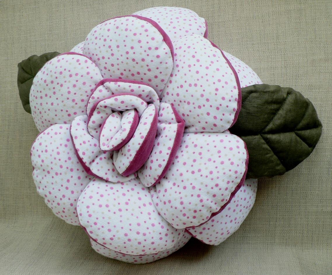 Подушка с розой своими руками