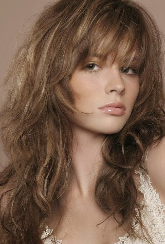 Long Wavy Hair with Loose Side Swept Fringe