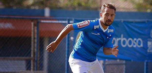 Everton Ribeiro recebe proposta do futebol árabe