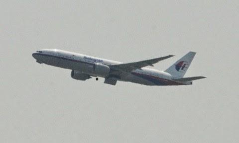 image of Boeing 777 before crashing