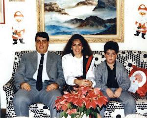 Loly y sus dos hijos Isidro José y Alexander José.