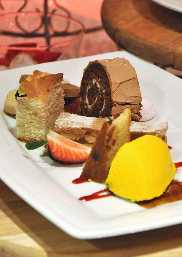 Irresistible Sweets with Bavarian Cream, Log Cake, Fruit Stollen, Fruit Cake, Cookies, Ginger Bread Layer and Lemon Cream