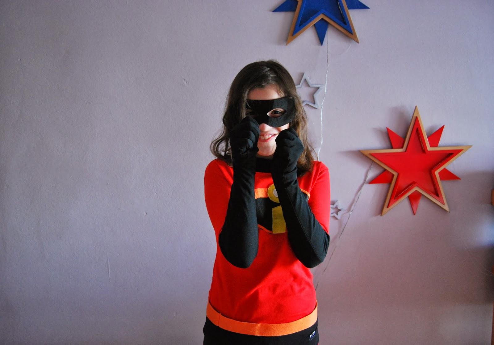 http://sosunnyblog.blogspot.com.es/2014/02/los-increibles-o-como-hacer-un-disfraz.html