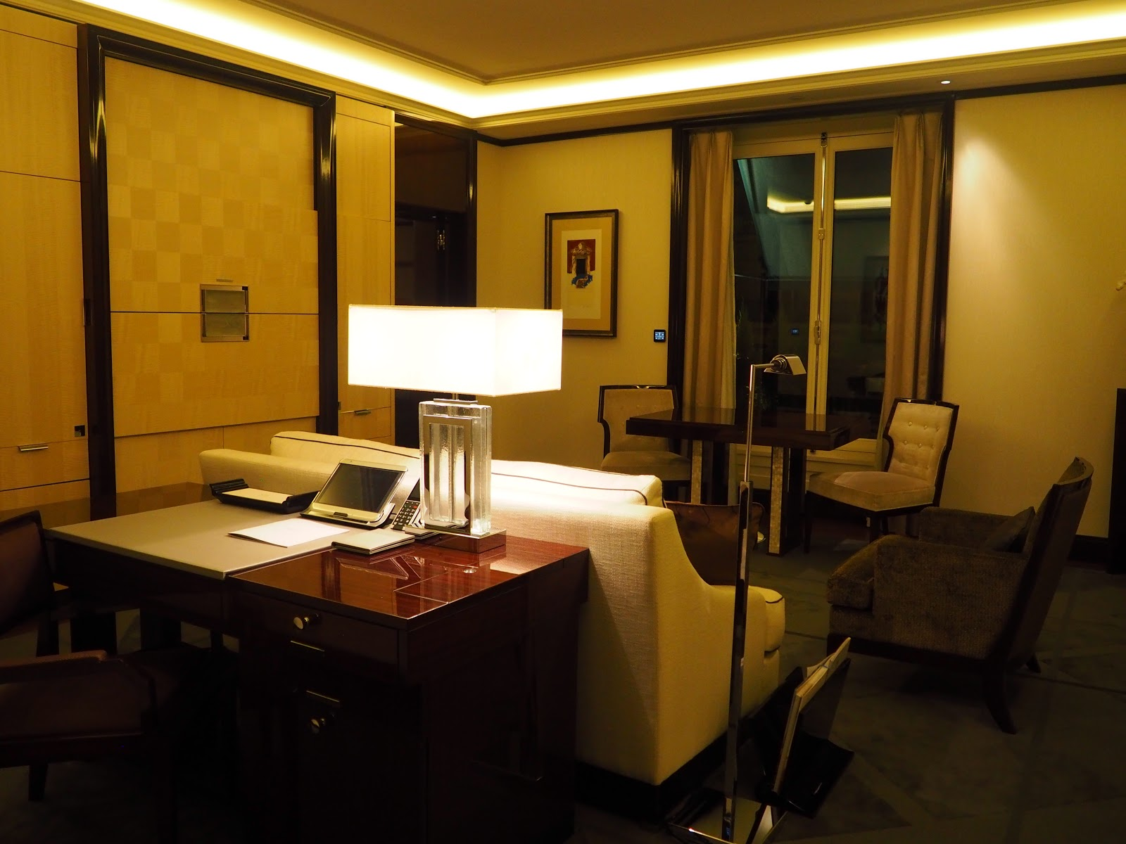 Grand Premier Suite, Peninsula Hotel, Paris, Living room