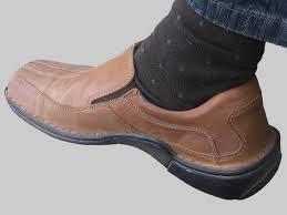Cara Menghilangkan Bau Kaki (Sepatu)
