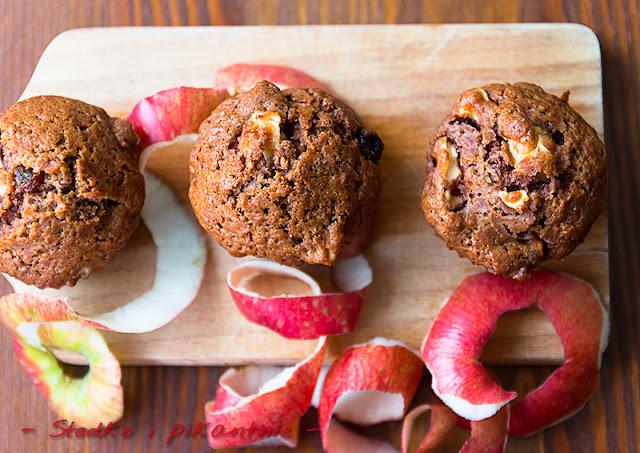 Muffiny z jabłkami i rodzynkami