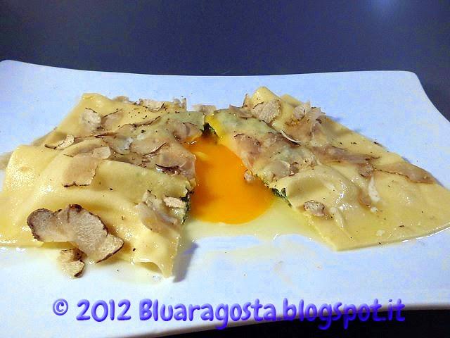 04-raviolo con ricotta e spinaci al tuorlo fondant con tartufo bianco