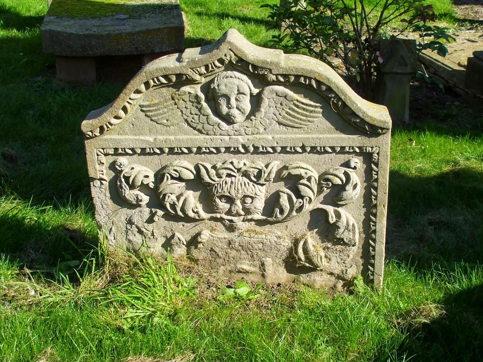 Bendochy Parish Churchyard in Coupar Angus, Perth and ...