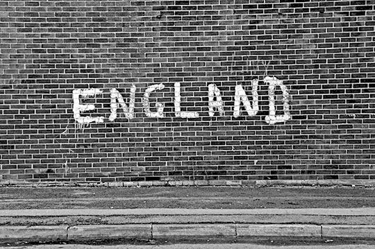 England, urban photography, black and white, photo, graffiti