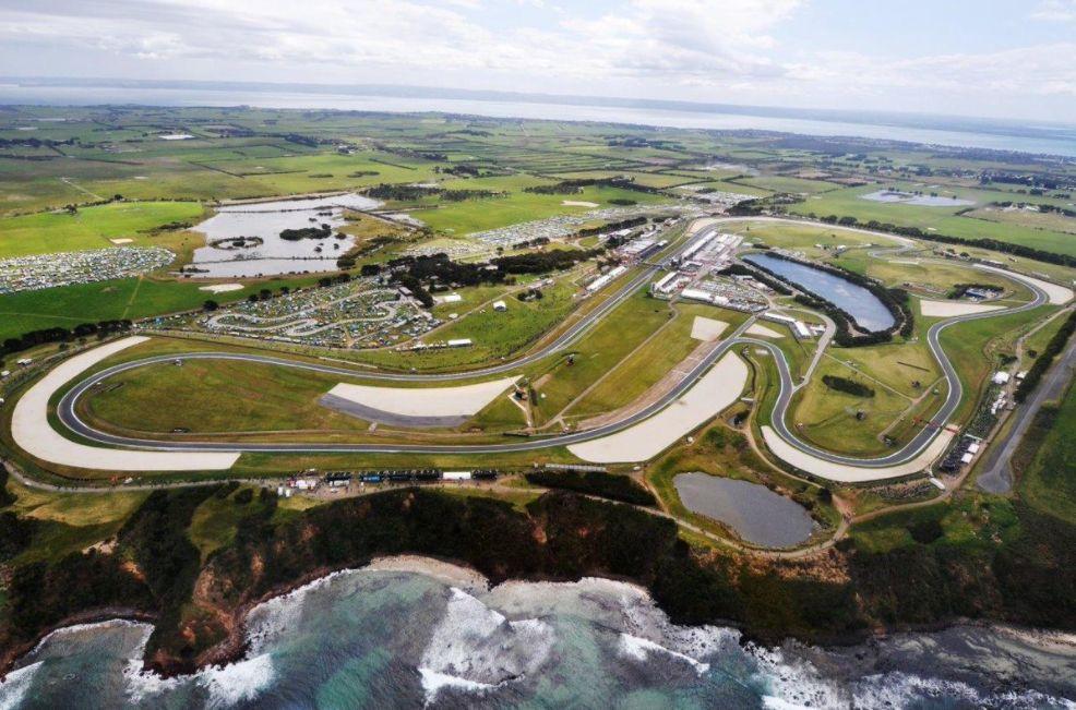 Phillip Island, Libere 4: Marquez detta il ritmo, Dovizioso cade