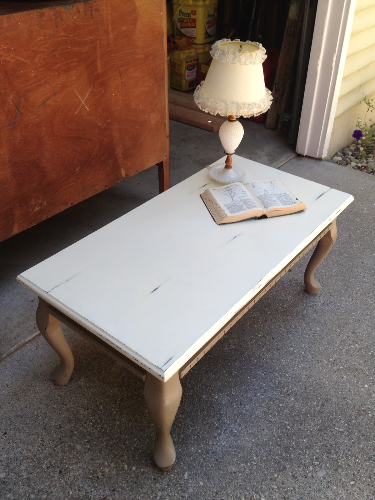 Vintage redefined brown and white coffee table for White and brown coffee table