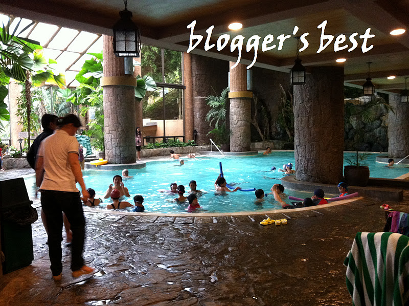 Blogger 39 s best vacations places and food trips canyon woods residential resort clubhouse for Tagaytay resort with swimming pool