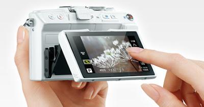 New Olympus Pen Lite E-PL6, mirrorless camera, TruePic, AF shutter